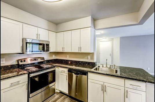 Waterside at Reston Apartments Review - 3445917 | Reston ...