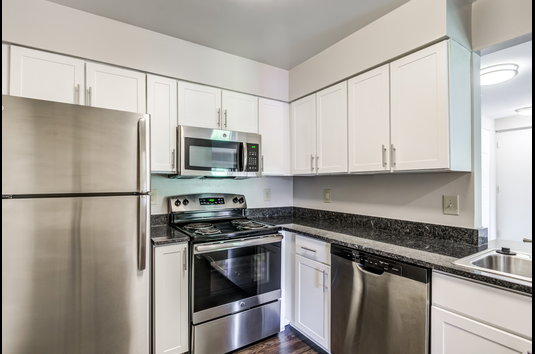 Waterside at Reston Apartments Review - 3590041 | Reston ...