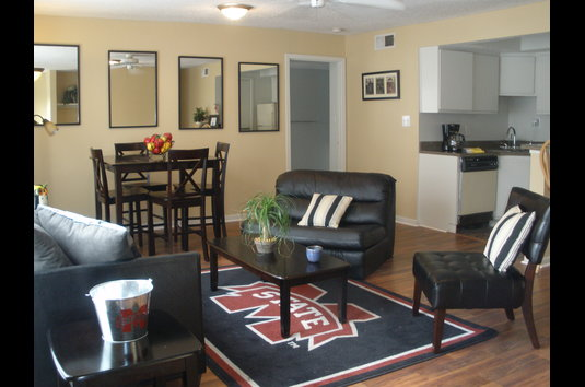 Image Of College Station Apartments In Starkville, MS