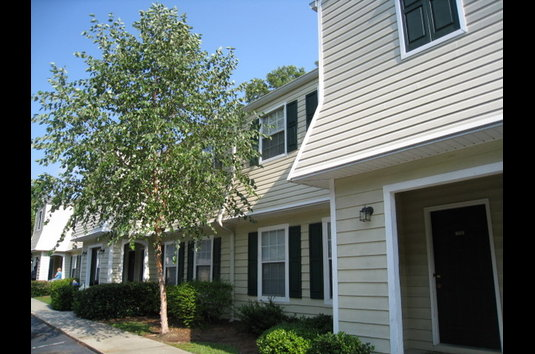 Image Of Lakeside Apartment Townhomes In College Park GA