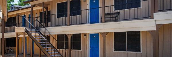 Courtney Place at Bachman Lake