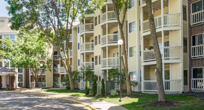 Image Of Cityscape Apartments In Saint Louis Park Mn