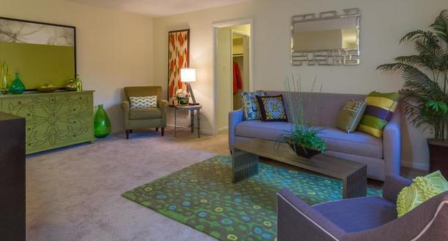 Summit Hills Apartments and Corporate Suites - 402 Reviews