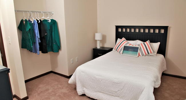 Lions Gate Apartments 303 Reviews Bloomsburg Pa Apartments For Rent Apartmentratings C