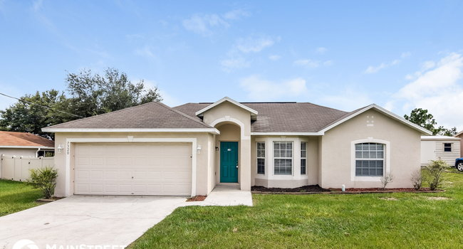 Image of 7320 Landmark Dr in Spring Hill, FL