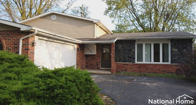 Image of 5101 Arquilla Drive in Richton Park, IL