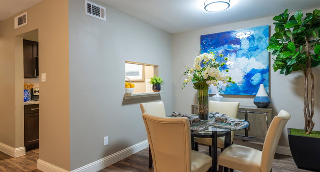 Image Of Stratford House Apartments In Houston Tx