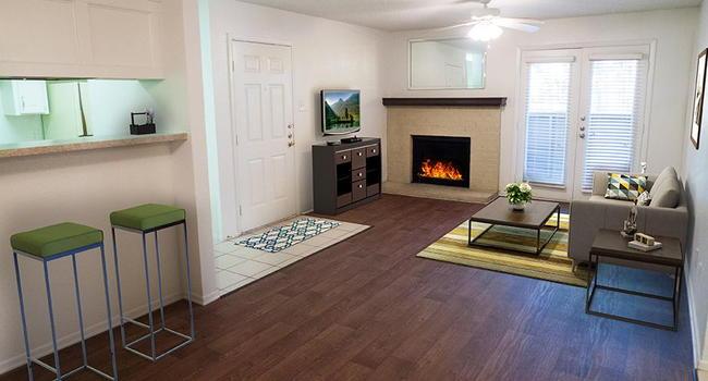 Ridgecrest Apartments - 90 Reviews | Denton, TX Apartments ...