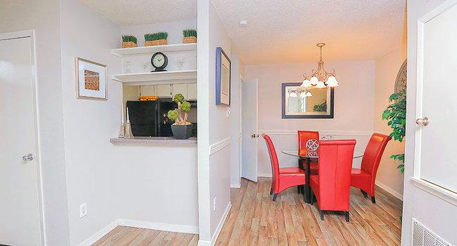 River Oaks Apartments - 165 Reviews | Tyler, TX Apartments ...