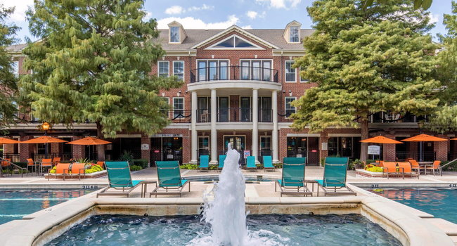 Image Of The Lincoln At Towne Square Apartments In Plano Tx