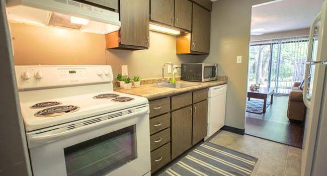 Image Of Whitewood Apartments In Twinsburg Oh