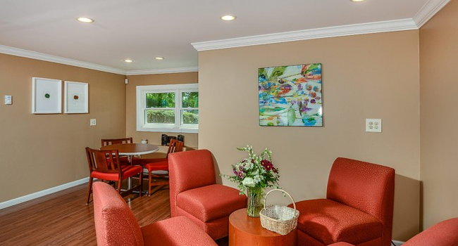Image Of Cliffside Apartments In Sunderland Ma