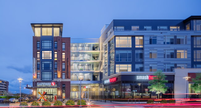 On-site retail including convenient 24/7 Safeway grocery