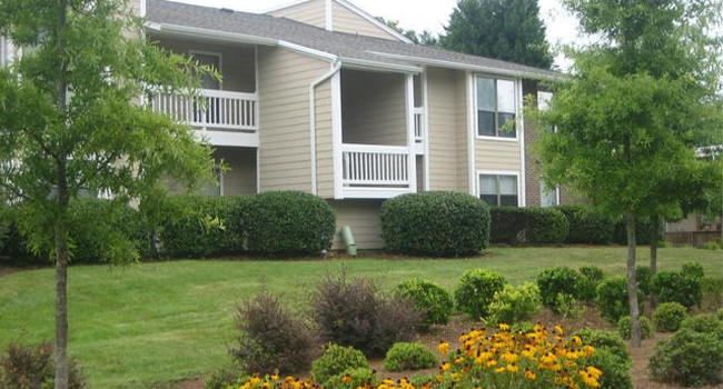 Image Of Arbor Ridge Apartments On West Friendly (Formerly Woodstream) In  Greensboro, NC