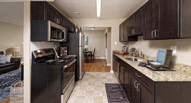 Fine Center Pointe 80 Reviews Waldorf Md Apartments For Rent Interior Design Ideas Inesswwsoteloinfo