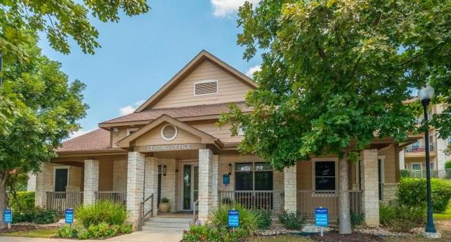 Laurel Canyon Apartments 146 Reviews San Antonio Tx Apartments