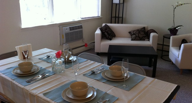 Image Of Edwards Gardens Apartments In Parsippany, NJ