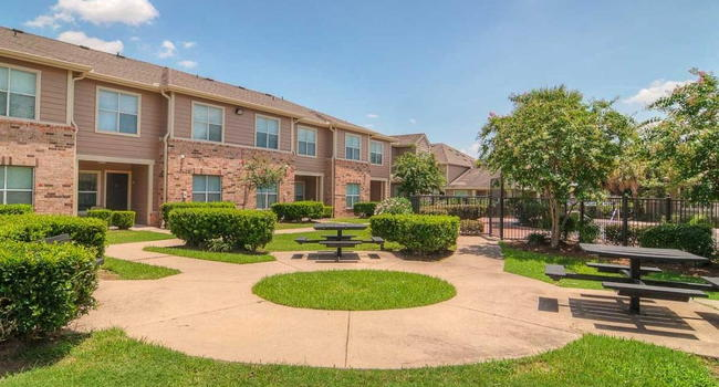 Highland Meadow Village 10990 Drive Houston Tx 77089